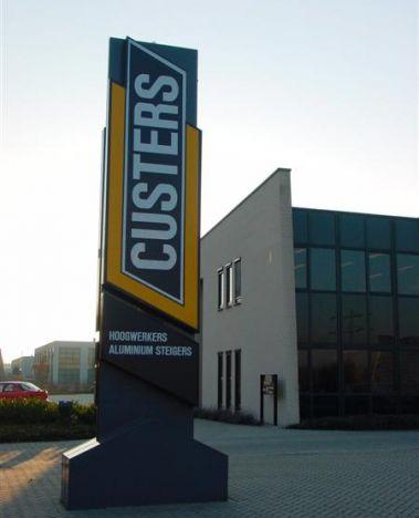 Custers pastoliai boksteliai.jpg